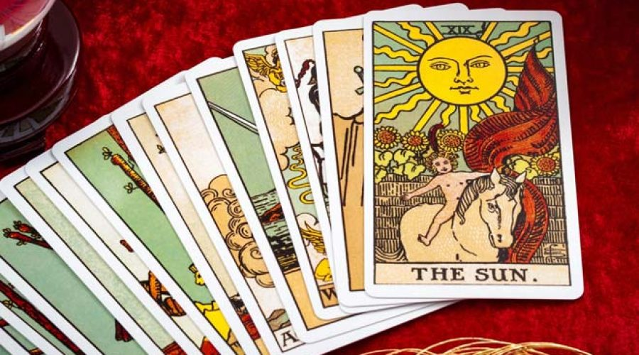 Tarot Birth Card Compatibility – Know how it Works